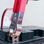 Test Dinokraftpaket Batterieerhaltung Batterieklemmen
