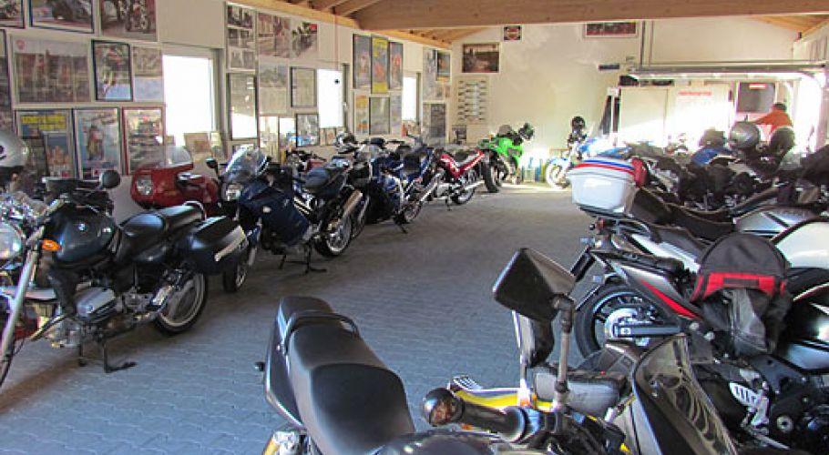 Hotel Hüllen Garage