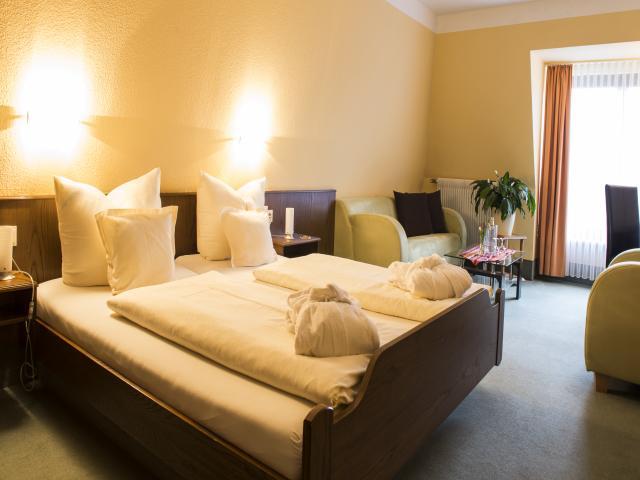 Hotel Vierjahreszeiten Zimmer