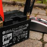 Laden mit Klemme BS Battery BS60 Ladegerät